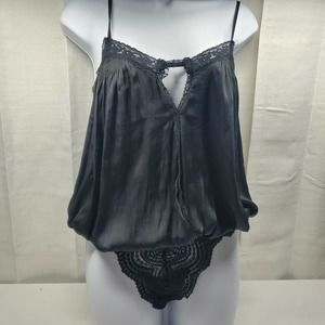 Free People NWOT Small Body Suit with Lace Trim
